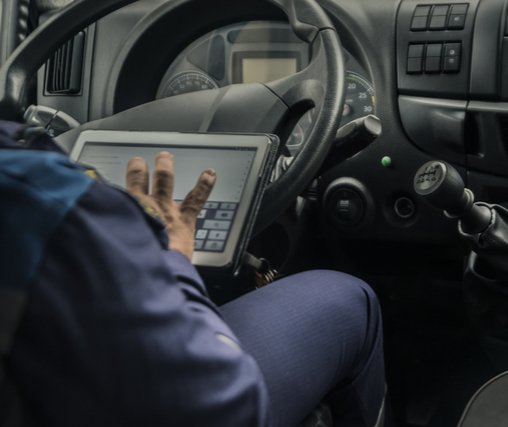 How Technology is Benefiting Truckers - Phoenix Trucking Jobs